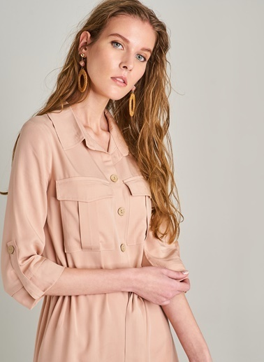 Monamoda Düğme Detaylı Elbise Pudra
